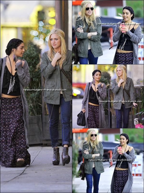 * 26 Février 2011 : Vanessa aux Spirit Awards à Santa Monica.____Top ou flop ? *