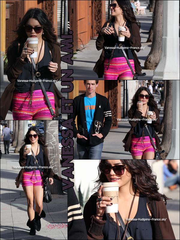 * 09 Mars 2011 : Vanessa, Brittany et Laura New allant fêter l'anniversaire de Brittany au Boa Steakhouse. *