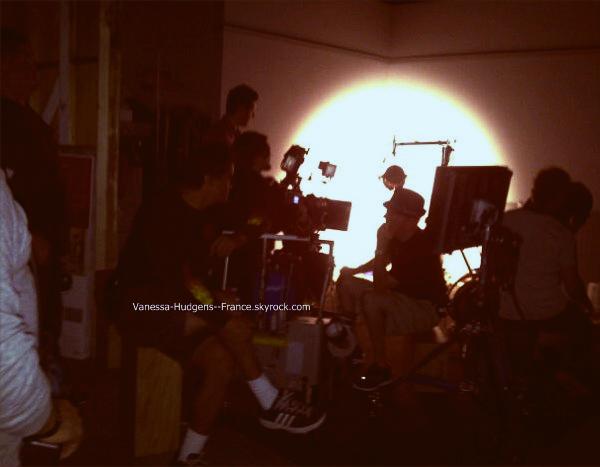 . Vanessa dans les studios de  Candie's , pour une nouvelle publicité. .