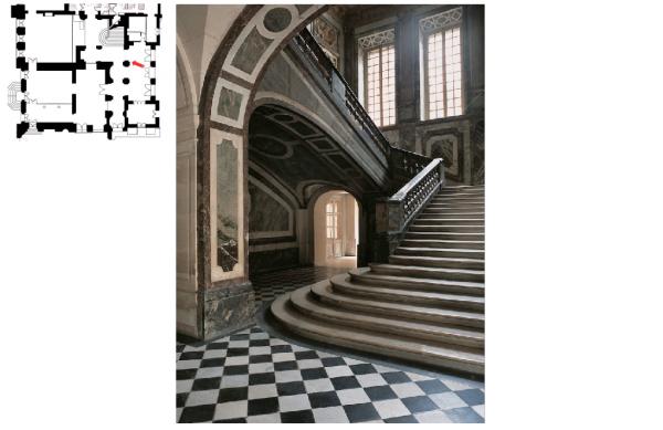 Rez de jardin - Aile centrale -  93 Hall d'accès vers l'escalier de la reine et l'appartement de la dauphine