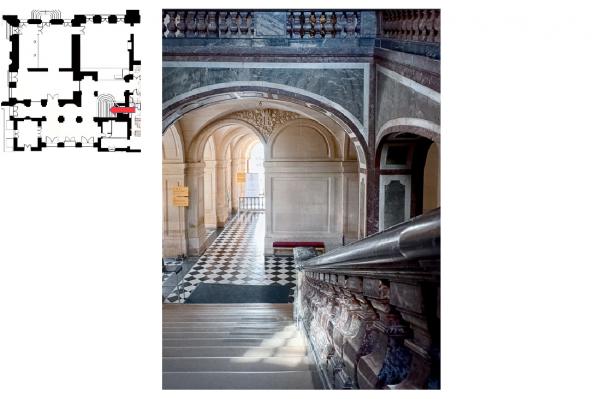Rez de chaussée - Aile centrale -  92 Vestibule de l'escalier de la reine