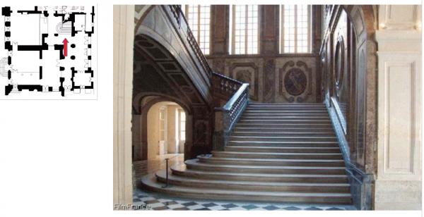 Rez de  jardin - Aile centrale -  92 Vestibule de l'escalier de la reine- Aile centrale - 92 Vestibule de l'escalier de la reine.