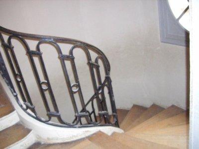 Rez de chaussée - Aile centrale - Escalier - 67a Escalier circulaire du dauphin