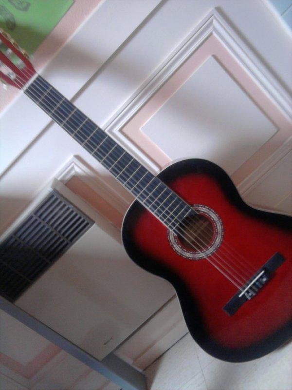 Ma guitare ^^