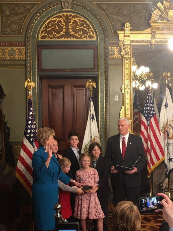 Linda McMahon a prêté serment le mardi à la tête de la Small Business Administration