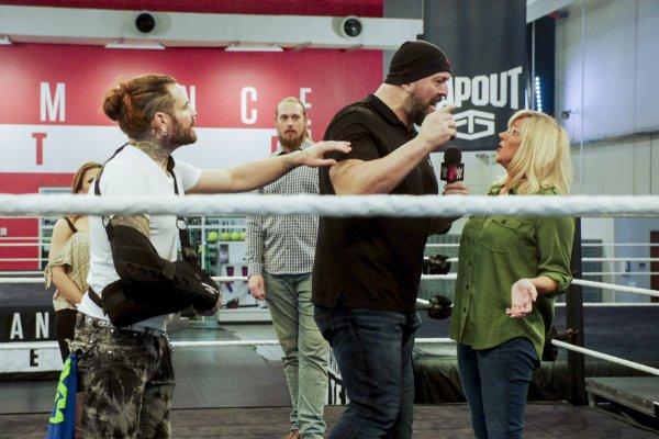 """la transformation de Stephanie McMahon pour l'émission """" Undercover Boss """"."""