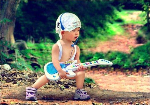 Les mots avec lesquels on empoisonne le c½ur d'un enfant, par petitesse ou ignorance, restent enkystés dans sa mémoire et, tôt ou tard, lui brûlent l'âme.