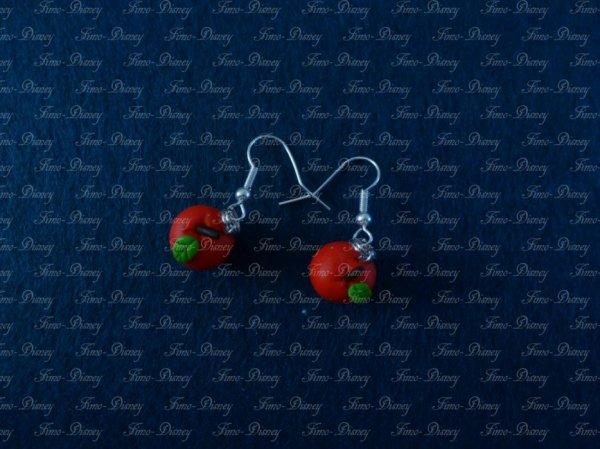 Boucle d'oreille pomme rouge