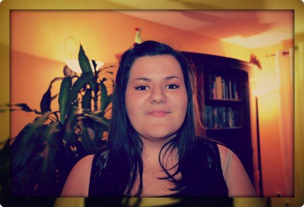 Je n'arrêterais jamais de vivre quoi qu'on puisse en dire je continuerais toujours d'avancer avec le sourire ... <3