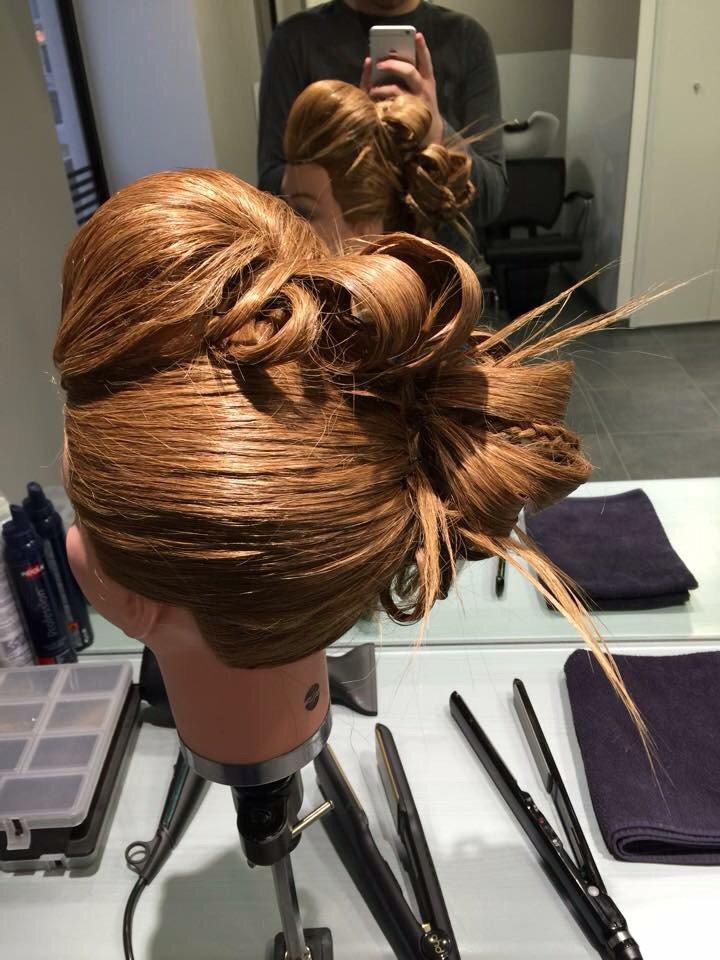 Chignon que je vais présenté à un concours de coiffure