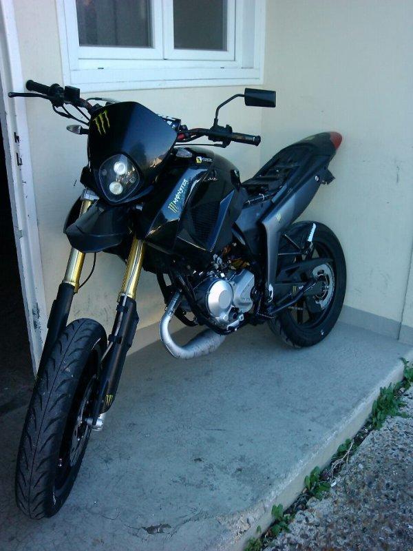 modif de ma moto tout fait moi meme le garage est une perte d'argent