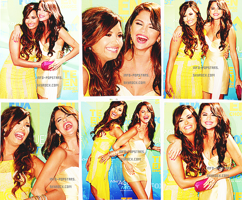 EvenementHier Selena etais au Teen Choice avec son cheri Justin Bieber :)Moi aussi j'y etais donc je vais vous faire decouvrir les photos des paparazis et les mienne prisent avec mon portable :)Et j'aime ses robes sauf celle ou on l'a voie avec Justin :(Ton avis?