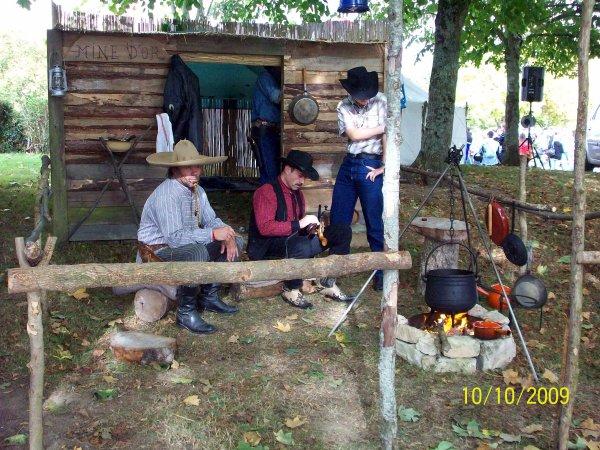 """Festival de country surgéres 17700 """""""" LE 13 et 14  Camelots, Danceurs,Voitures et Motos  """"""""   USA .."""