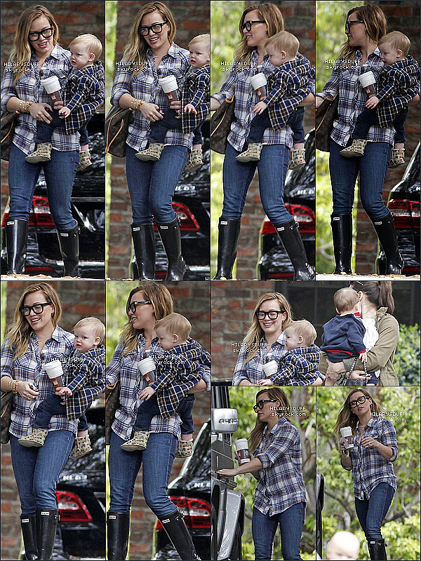 *07/03/13 : Hilary s'est rendue chez une amie avec son fils Luca à Beverly Hills.Hilary était superbe ! Je trouve qu'elle porte les lunettes à merveille et j'adore sa chemise. J'aime ses bottes. Avis?*