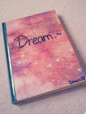 Va jusqu'au bout de tes rêves, n'écoute pas les autres. C'est en y croyant, qu'on réalise ses voeux. [de moi]