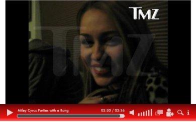 Un nouveau « scandale » vient de faire son apparition sur la toile… Une vidéo de Miley Cyrus fumant une substance hallucinogène, (qui est légale en Californie). Ce moment a été filmé quelques jours après que la belle eue 18 ans.
