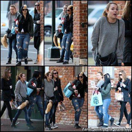 Voici de nouvelles photos de Miley Cyrus sortant hier avec des amies en Nouvelle Orléans ce vendredi 14 janvier 2011. Pour rappel, Miley y est actuellement pour tourner le film So Undercover.