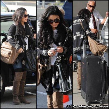 Vanessa à été vue ce lundi 17 janvier 2011 arrivant à l'aéroport LAX dans l'après-midi.