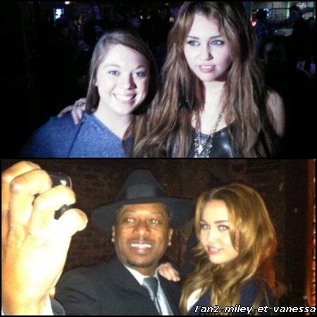 Voici deux nouvelles photos perso de Miley Cyrus.