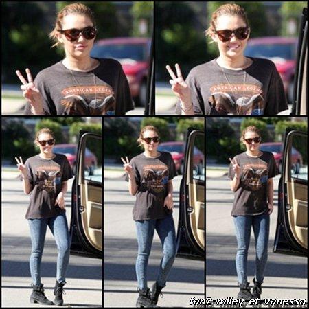 Miley était de sortie à Los Angeles ce jeudi 3 février 2011.