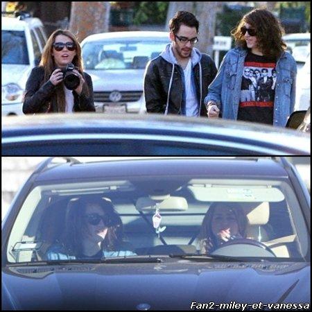 Voici des photos de Miley se rendant avec son frère chez un tatoueur ce mercredi 2 février 2011.
