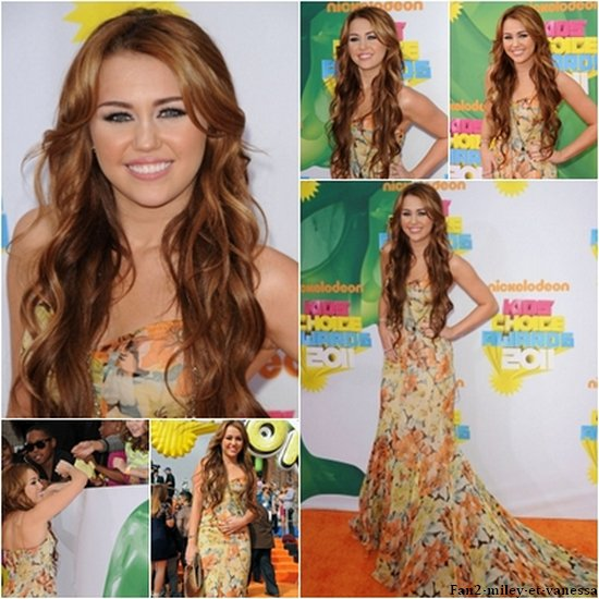 Miley Cyrus était aux Kids Choice Awards ce samedi 2 avril 2011,et elle a remporté le prix Favorite Movie Actress.
