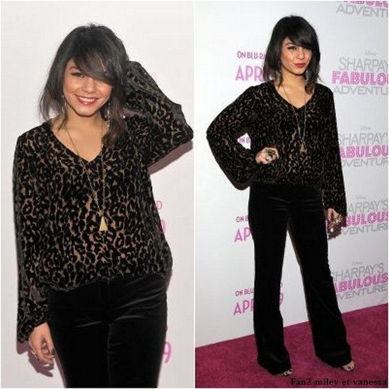 Voici quelques photos supplémentaires de Vanessa accompagnée de Ashley Tisdale, à l'avant-première du film « Sharpay's Fabulous Adventure.
