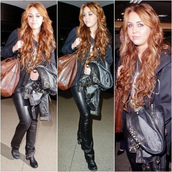Miley a atterri ce vendredi 8 avril au soir, à Los Angeles après un passage express à Chicago pour fêter les 30 ans de « I Love Rock'n'Roll » avec entre autre Joan Jett dans l'émission d'Oprah. Retrouvez la première photo de l'émission, ainsi que des photos de son arrivée à Los Angeles.