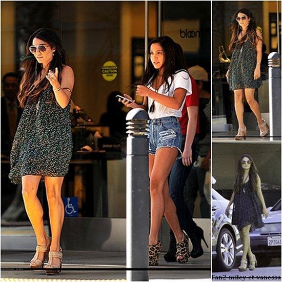 Vanessa a été vue mercredi 27 avril 2011, sortant du magasin Bloomingdales avec sa petite soeur Stella au centre commercial de Sherman Oaks à Los Angeles.
