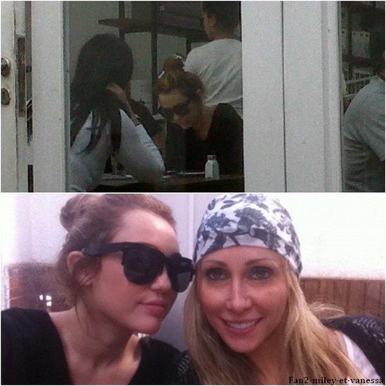Miley est allée déjeuner avec sa mère ce samedi 7 mai 2011, alors qu'elle était en Argentine