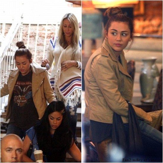 Miley est sortie faire un peu de shopping ce lundi 9 mai 2011, à Buenos Aires.