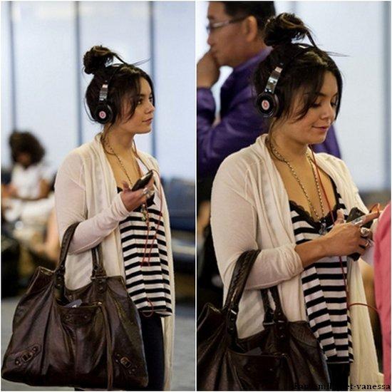 Ce samedi 21 mai 2011, Vanessa était à l'aéroport L.A.X, pour se rendre à New-York. TOP ou FLOP sa tenue ?