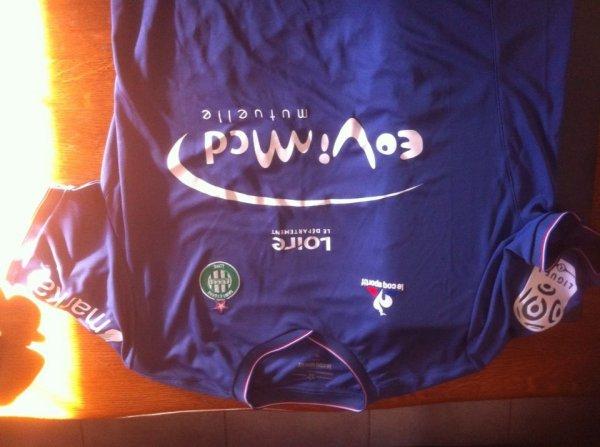 Et là !!! Le maillot du derby malheureusement perdu 3 a 0 à Gerland. Merci mon cousin !!!!