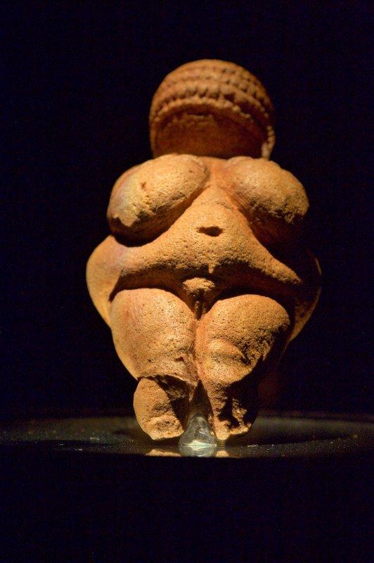la Vénus de Willendorf sous un angle intéressant