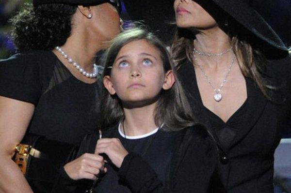Paris, la fille de Michael Jackson, a des yeux si incroyables