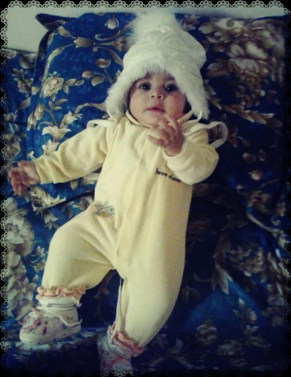 Je te souhaite une vie pleine de joie de bonheur ma petit princesse (Farah)