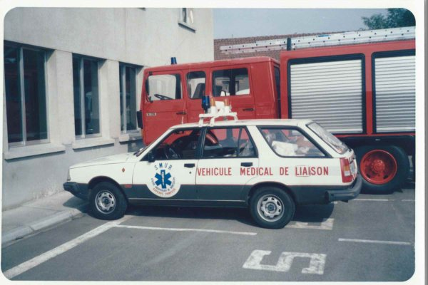 Ancienne VL du SMUR avant sa transformation en VL Cynophile du CSP Montluçon .