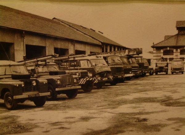 Quelques véhicules du CSP Montluçon dans les années 80  . Photo de Stéphane Périchon .