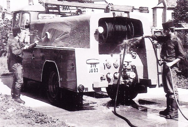 Nettoyage du CCI Montluçon dans les années 70 .
