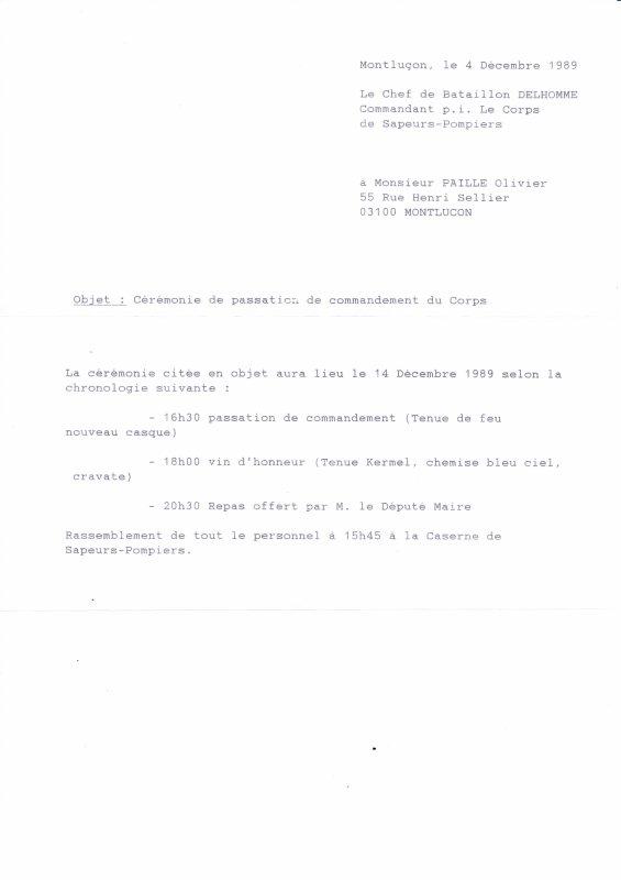 Déroulement de la cérémonie de passation de commandement entre le Commandant Compiègne et le Commandant Delhomme le 4 Décembre 1989 .