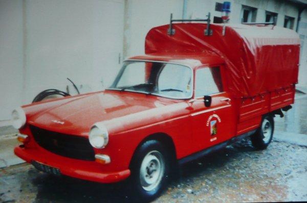 Ancienne 404 du CSP Montluçon . Photo de Jean Jacques Durand .