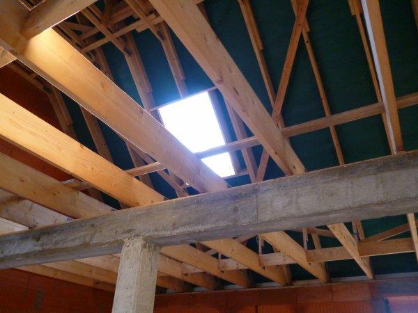 18 juin 2012 : début de la toiture!!