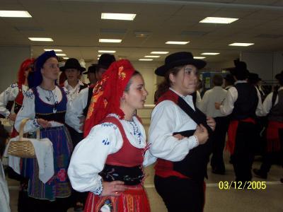 Soir e t l thon le groupe folklorique portugais santa for Soiree telethon