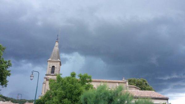 Ledenon avant l'orage