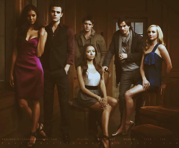 ▬ (Re)Découvrez quelques images promotionnelles de la première saison de « The Vampire Diaries » dans laquelle Paul Wesley interprète Stefan Salvatore, un vampire âgé de 162 ans !