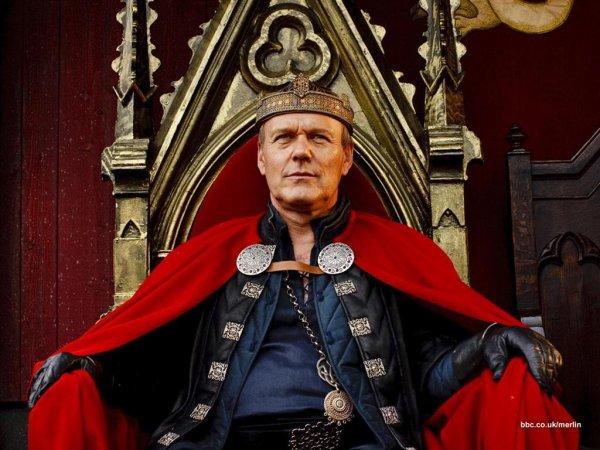 Le roi Uther Pendragon et sa famille !