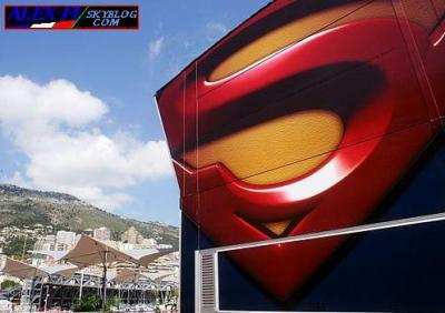 Superman signe chez Red Bull