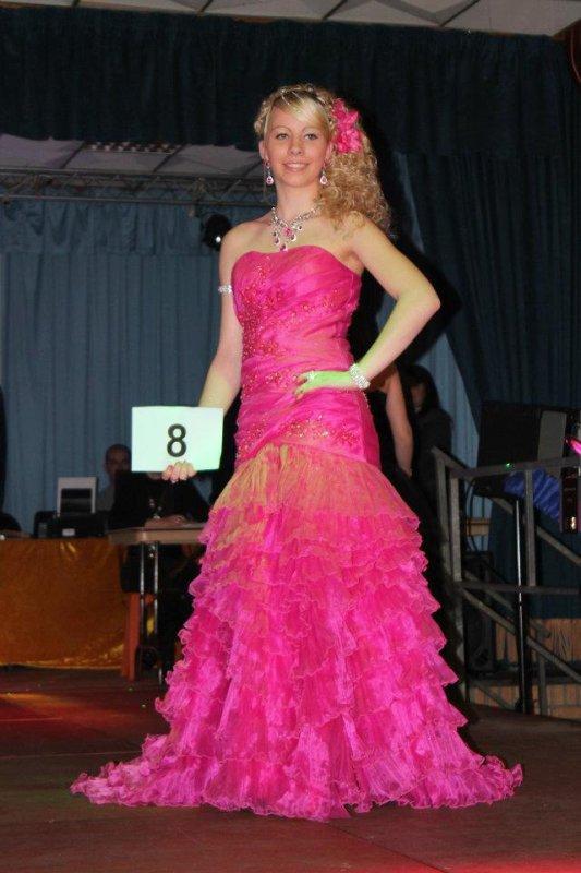 Moi en robe de soirée :)