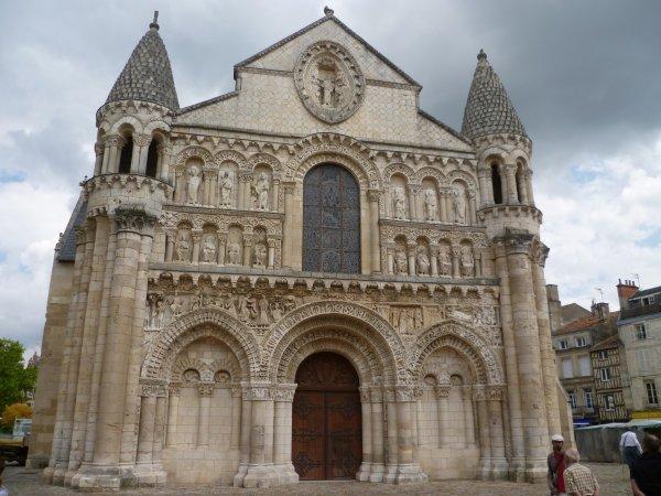 Eglise Notre-Dame des clés de Poitier