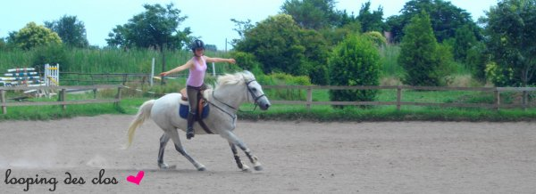 _  « Monter a cheval vous donne un gout de liberté. »  _  Helen Thomson ♥
